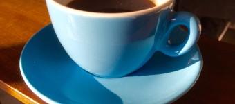 中道通りの「LIGHT UP COFFEE」でホッと一息ついてきました!!